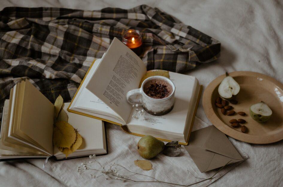 Czy warto czytać poezję? Tak, szczególnie jesienią!